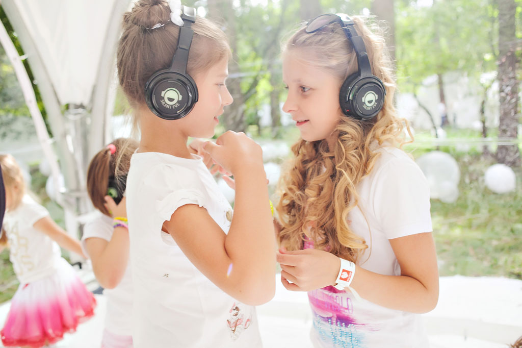 Silent Kids Party Girls in Headphones