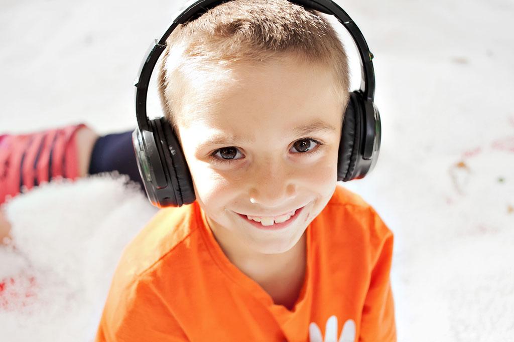 Silent Kids Party Boy
